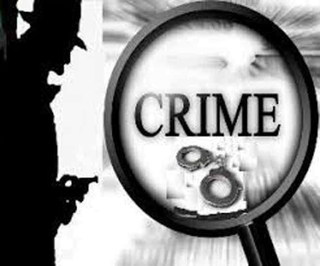 विकासपुरी थाना पुलिस ने दो शख्स को अवैध हथियार के मामले में गिरफ्तार किया है।