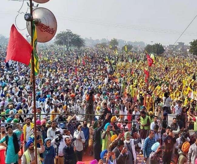 पंजाब के बरनाला में रविवार को किसानों ने महारैली की।