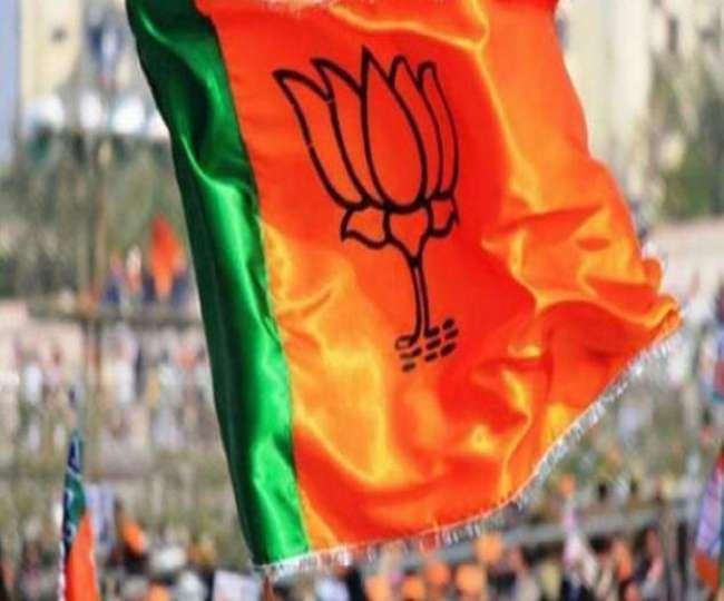 बनगांव और कृष्णानगर विधानसभा सीटों को मतुआ जाति का गढ़ माना जाता है