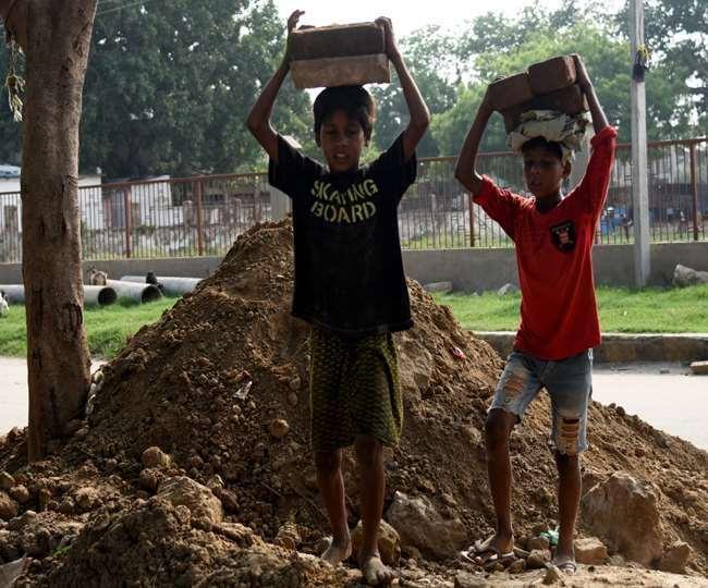 महामारी के बीच बाल मजदूरी का संकट उभरा।(फोटो: दैनिक जागरण)