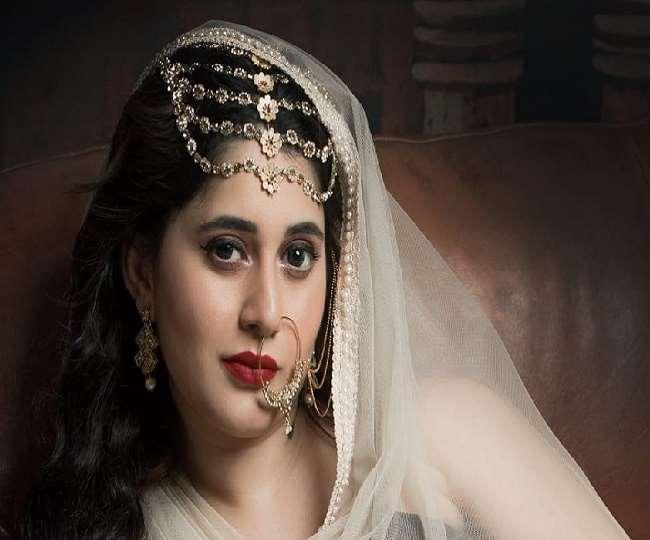 विवादित बॉलीवुड एक्ट्रेस अलीसा खान ने टीवी पत्रकार से रचाई शादी, इमरान हाशमी संग कर चुकी हैं काम