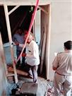 निर्माणाधीन मकान पर चिपकाया पत्र, मारने के लिए मिली है सुपारी