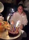 करिश्मा का लाया केक काटकर करीना ने मनाया अपना जन्मदिन