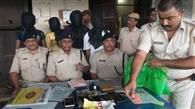 पटना-किऊल सवारी गाड़ी में लूटपाट करनेवाले चार गिरफ्तार