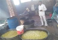 खाद्य विभाग की टीम ने रसगुल्ले, दूध व छेने के लिए सैंपल
