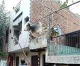 रात में अचानक मकान की छत पर चढ़ा सांड़, जानें फिर क्या हुआ Ghaziabad News