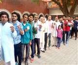 Gurgaon, Rewari, Haryana assembly election 2019 Live: दक्षिण हरियाणा में कई स्थानों पर EVM खराब, रेवाड़ी में बूथ कैप्चरिंग का आरोप