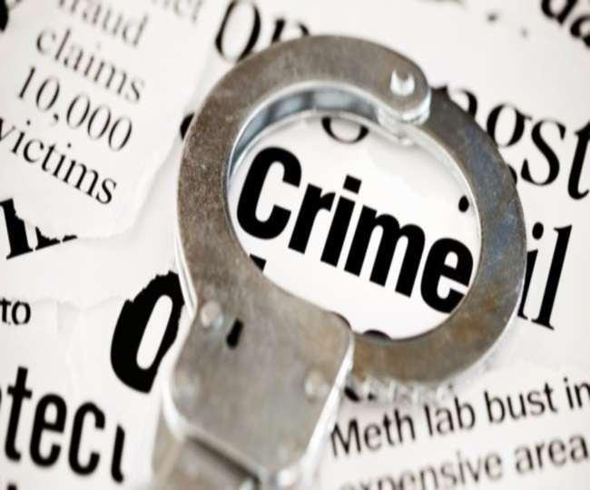 बुलंदशहर के व्यापारी से मारपीट के आरोपित दारोगा के खिलाफ पुलिस ने कोई कार्रवाई नहीं की है।