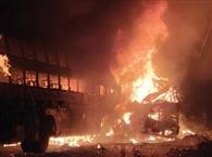 बस में जिंदा जले यात्रियों के स्वजनों ने मांगे अवशेष
