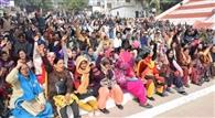 सामूहिक अवकाश लेकर शिक्षकों ने बुलंद की आवाज