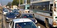 रैपिड रेल निर्माण कार्य के चलते हाईवे में रहा जाम
