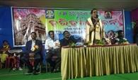 पश्चिम ओडिशा के प्रसिद्ध मकर मेला में पहुंच रहे हजारों श्रद्धालु