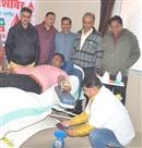 चार युवती समेत बीस ने किया रक्तदान