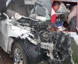 नेशनल हाईवे पर कोहरे ने ली तीन जानें, कार को काटकर निकाले गए शव-दो जख्मी Sitapur News