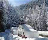 जम्मू-कश्मीर में भारी बर्फबारी, उत्तराखंड में जमी पाइप लाइनें, घने कोहरे की जद में दिल्ली-एनसीआर