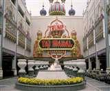TrumpVisitIndia: डोनाल्ड ट्रंप ने भी बनवाया था एक ताज, मेलानिया नहीं बल्कि किसी और मकसद से Agra News