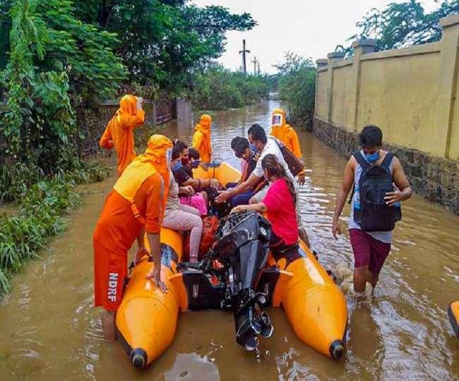 महाराष्ट्र के कई जिलों में भारी बारिश से बाढ़ की स्थिति, एनडीआरएफ की टीम तैनात (फाइल फोटो)
