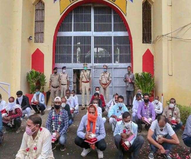 केरल सरकार ने हाई कोर्ट को राज्य के जेलों में बंद कैदियों को लगे टीके की जानकारी दी