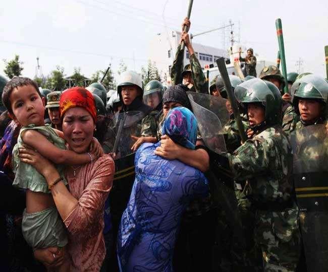 शिनजियांग में उइगर मुस्लिमों पर अत्याचार के लिए 240 हिरासत केंद्र