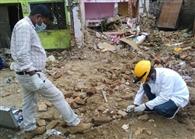 टीमें खड़ीं रहीं पर गोदाम का ताला नहीं खोला