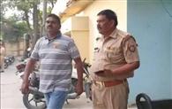 एनओसी के नाम पर रिश्वत मामले में एफएसओ व फायर वेंडर गिरफ्तार