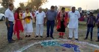 झुग्गी-झोपड़ियों में रहने वाले बच्चों के साथ मनाया दीपावली उत्सव
