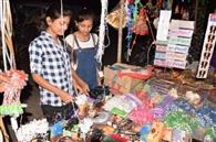 त्योहारों की श्रृंखला के लिए तैयार हो रहा बाजार