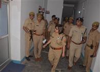 नोडल अधिकारी ने परखी जिले की पुलिसिंग