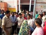 सम्भल में कैदियों के वाहन ने बाइक सवारों को मारी टक्कर, एक की मौत Sambhal News