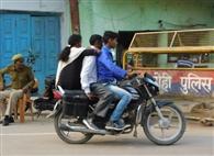 10 हजार वाहन चालकों ने तोड़ा यातायात नियम