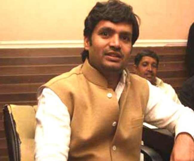 राम बीर शौकीन की फाइल फोटो ।
