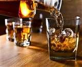 वैशाली में ट्रक से मिली 377 कार्टन विदेशी शराब, बक्सर में बोतलों के साथ महिला गिरफ्तार
