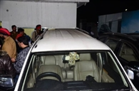 कार्यालय में बैठे शिवसेना हिदुस्तान के राष्ट्रीय उपाध्यक्ष की गाड़ी पर फायरिग