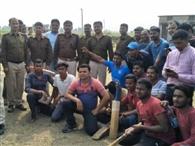 क्रिकेट टूर्नामेंट में पब्लिक ने पुलिस को हराया