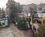 Uttarakhand Weather: चारधाम समेत ऊंची पहाड़ियों पर हिमपात, मैदान क्षेत्रों में बारिश और ओलावृष्टि