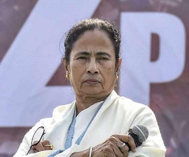 मुख्यमंत्री ममता बनर्जी ने अपनी पूर्व-निर्धारित सभी चुनावी सभाओं को रद कर दिया