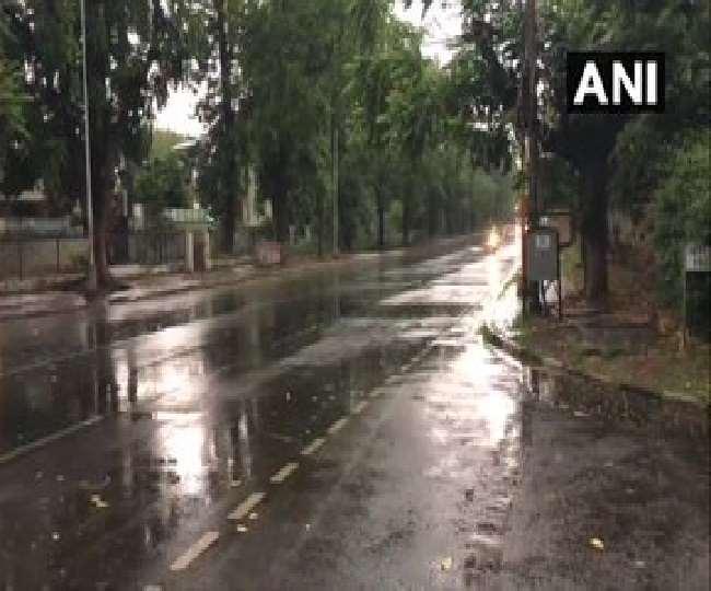 दिल्ली में आंधी के साथ बारिश का अलर्ट; इन राज्यों में भी बरसेंगे मेघा