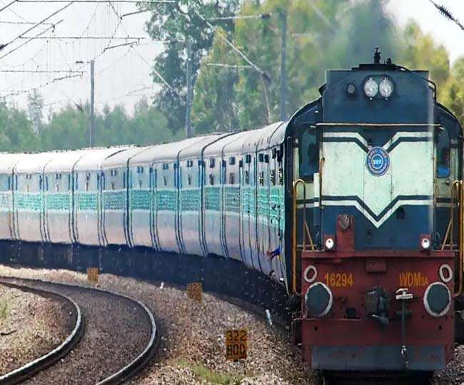 प्रवासी मजदूरों को लेकर मुंबई से गोरखपुर जाने वाली ट्रेन पहुंच गई ओडिशा, भारतीय रेलवे भी हुआ हैरान