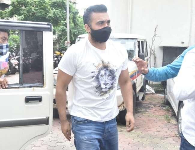 Raj Kundra Case: राज कुंद्रा ने गिरफ़्तारी को दी बॉम्बे हाई कोर्ट में चुनौती, अश्लील फ़िल्म केस में अरेस्ट को बताया अवैध
