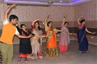 जनक दुलारी के विवाह को सजने लगी जनकपुरी, हाथरस से मंगवाई पोशाक