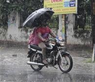 26 मिनट की बारिश से जलमग्न हुई सड़कें