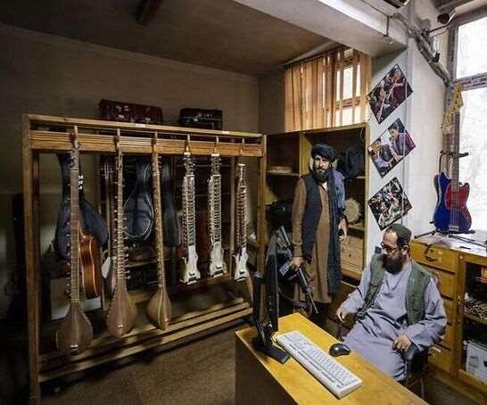 तालिबान राज में खामोश हो गया अफगान संगीत। (फोटो- एपी)