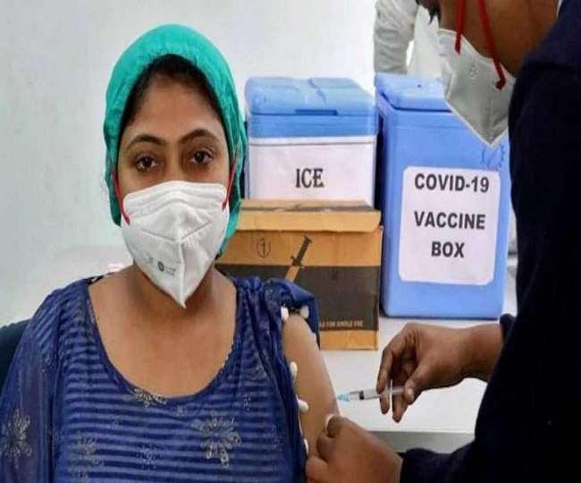 सरकार ने बड़ा फैसला लेते हुए डोर-टु-डोर वैक्सीनेशन की अनुमति दे दी