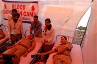 आइजी व एसएसपी सहित 37 पुलिस कर्मियों ने किया रक्तदान