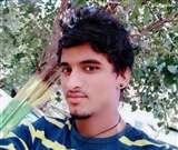 मैक्स जीप की टक्कर से बाइक सवार युवक की मौत, परिजनों ने लगाया जाम, हंगामा Aligarh News