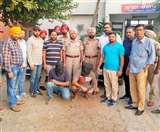 कुख्यात गैंगस्टर 'मन्नू मेहमाचक' मुठभेड़ के बाद हथियारों के जखीरे और साथी सहित गिरफ्तार Jalandhar News