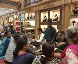 दीपावली को सजे बाजार, धनतेरस के लिए व्यापारी तैयार; जानिए खरीदारी का शुभ मुहूर्त Dehradun News