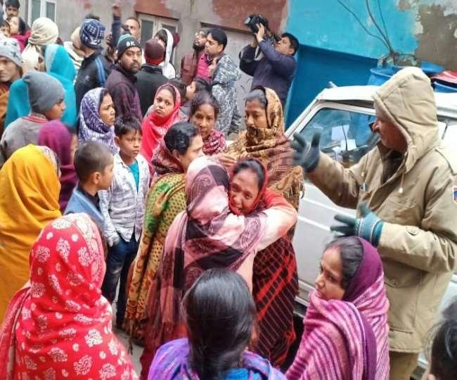Delhi Fire News: आग की चपेट में आया दो मंजिला मकान, 9 लोगों की मौत, सभी बिहार के रहने वाले