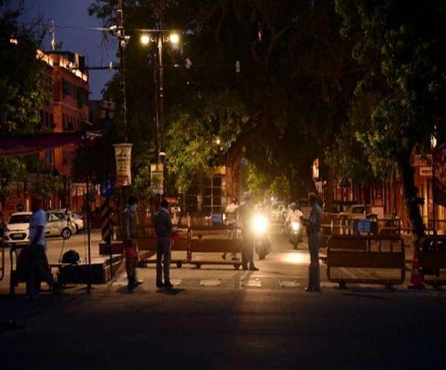 कर्नाटक में आज से 2 जनवरी तक नाइट कर्फ्यू का ऐलान, रात 10 बजे से सुबह