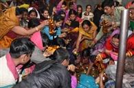 नरक निवारण चतुर्दशी पर मंदिरों में उमड़ी भीड़